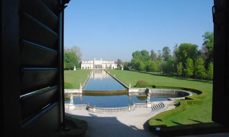 Eine Palladio-Villa (c) dege