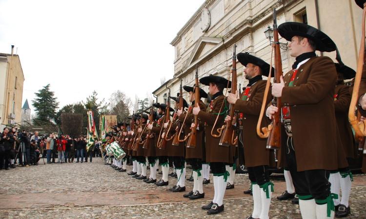 Jedes Jahr am 20. Feber gedenken die Tiroler ihres Andre Hofer in Mantua - Bild (c) G.J.Dekas