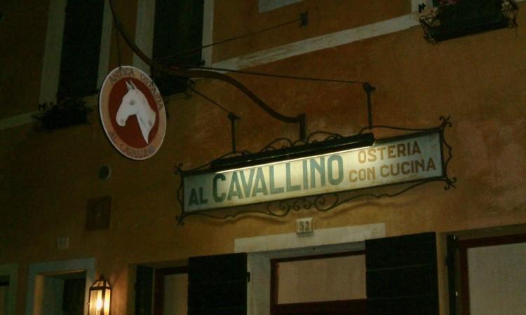 Eine Osteria in Treviso. Ein Wirtshaus, nicht ein Restaurant. Bild G.J. Dekas (c) 2003